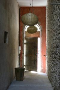 """Au Coeur du Cadre Royal L'appartement """"Vue Jardin"""" : une oasis secrète au cœur de Sète..."""